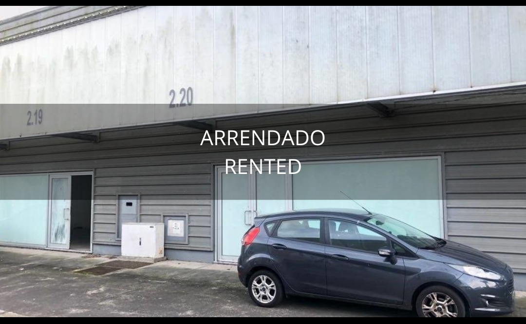 Double warehouse (2 loading ramps and two store entrances) with excellent condition office