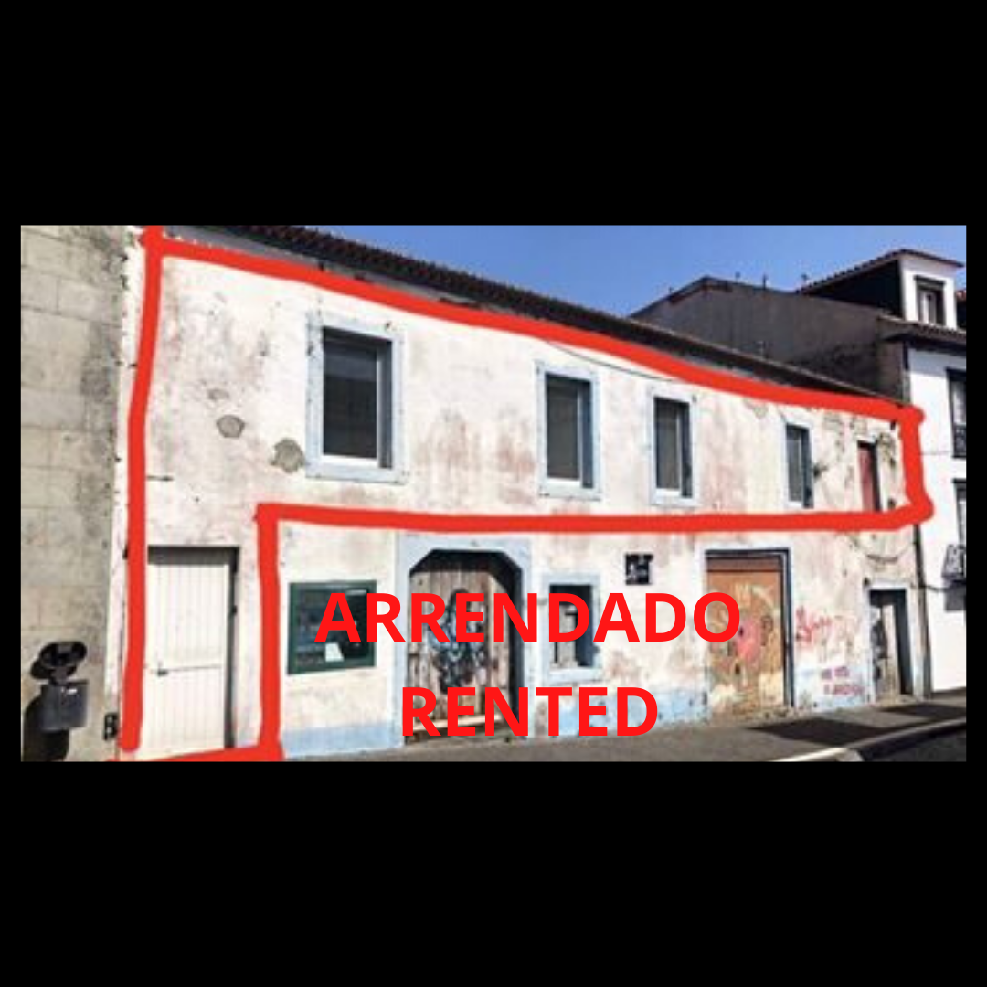 Commercial space in the historic center 1st floor, large front 186.60 m2